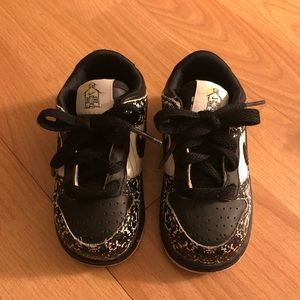 Nike toddler boy shoes, size 6C